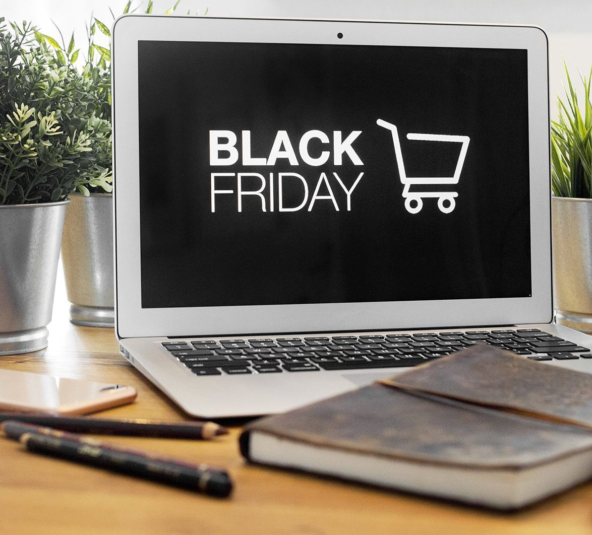 8 Hacks to Have the Best Black Friday
